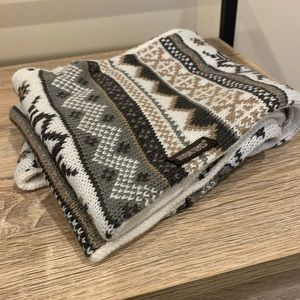 Reversible MukLuks infinity scarf